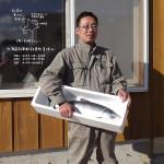 北海道知床 大須賀さん・・・さばいた後に残る鮭の中骨(身もたっぷり)を分けてもらい、骨ごとミンチし使っています。カルシウムたっぷり、弊社の人気商品